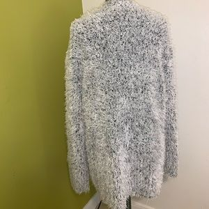 Kensie Sweaters - Kenzie Black/White fuzzy comfortable sweater
